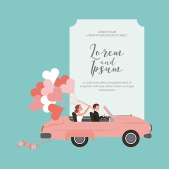 Noiva e noivo em carro conversível