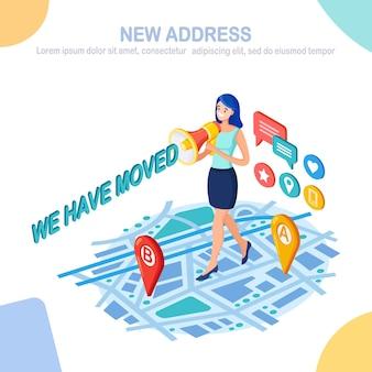 Nós mudamos. novo endereço no mapa com alfinete, marcador. mulher anuncia mudança no local do escritório com megafone.