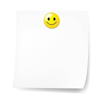 Nota pegajosa em branco com sorriso