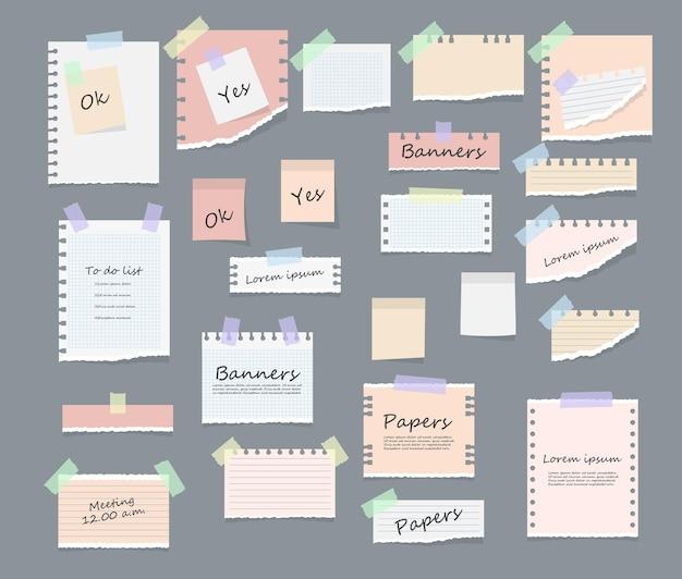 Notas adesivas em papel, notas, mensagens, blocos de notas e pedaços de papel, folhas de papel rasgado - lembrete
