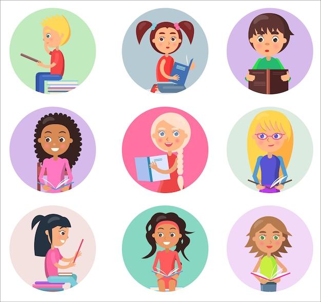 Nove crianças lendo livros escolares abertos