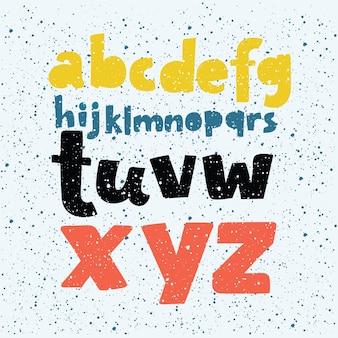 Números e letras do quadro de giz colorido.