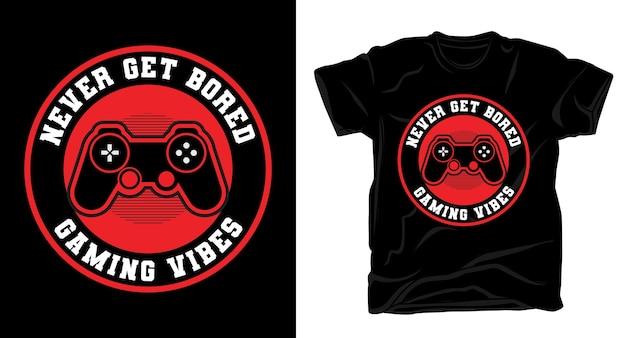 Nunca fique entediado com a tipografia com a camiseta do controlador de jogo