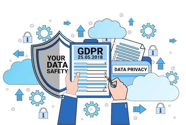 Nuvem de segurança de dados escudo mãos segurar lista de verificação