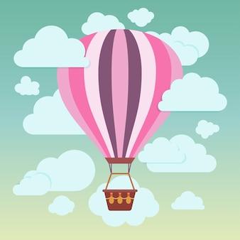 Nuvens e balão de ar quente listrado em um fundo azul