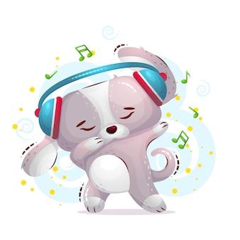 O cão bonito dança em fones de ouvido