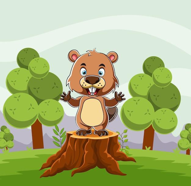 O castor em pé no tronco da árvore no meio da floresta