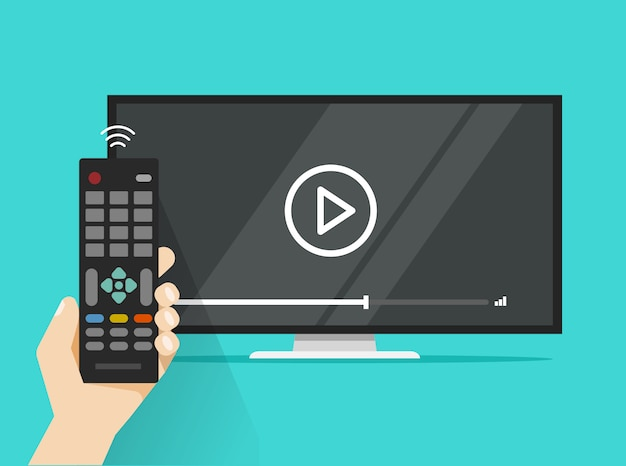 O controle remoto na mão perto da tela lisa conduziu a tevê que olha o filme liso do filme video