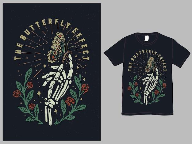 O design de tshirt estilo tatuagem efeito borboleta