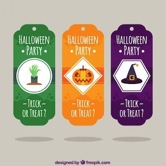 O dia das bruxas feliz com etiquetas coloridas