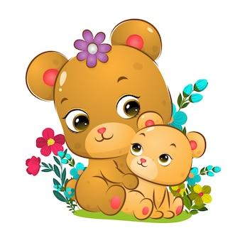 O grande urso fofo está sentado atrás da ilustração do bebê urso