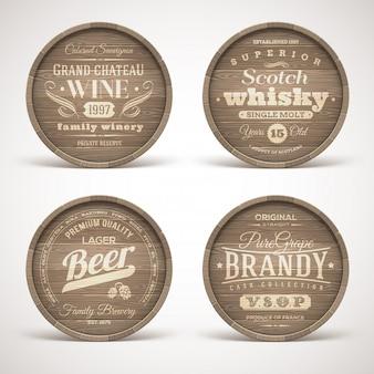 O grupo de barris de madeira com álcool bebe emblemas - ilustração.