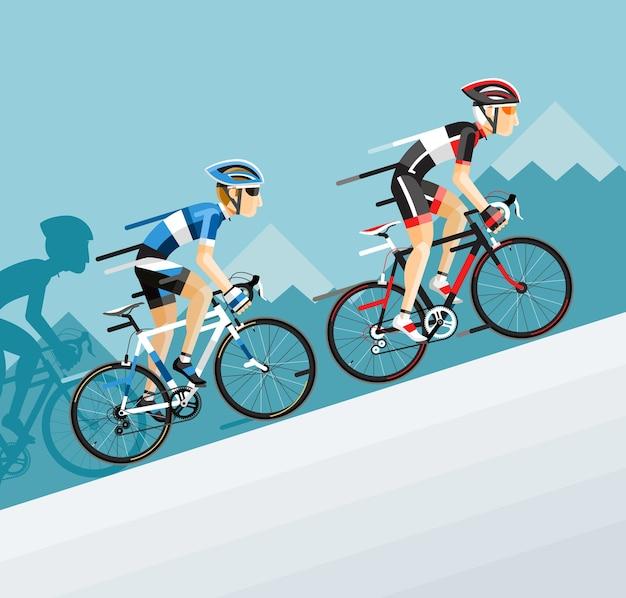 O grupo de ciclistas homem na corrida de bicicleta de estrada vai para a montanha