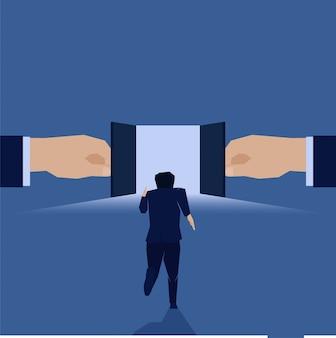 O homem de negócios corre para abrir a oportunidade do sucesso da porta.