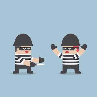 O ladrão trair seu amigo