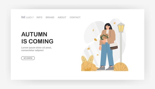 O outono está chegando para a página de destino, banner. personagem feminina caminha pelo parque outono segurando um buquê de folhas de outono.