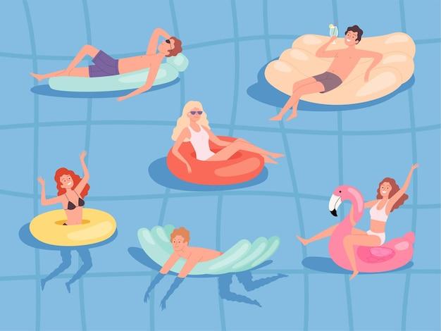 O verão relaxa no mar, meninos e meninas nadando em colchões de borracha