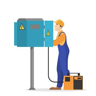Obras de eletricidade. trabalhador profissional de uniforme