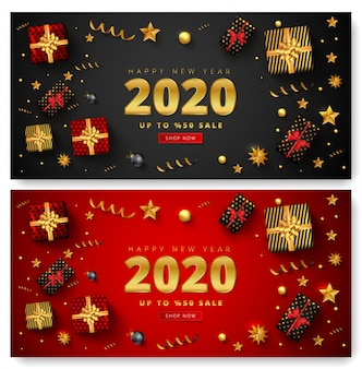 Oferta de 50% de desconto para 2020 feliz ano novo venda letras, caixas de presente, bolas de natal, estrelas e confetes dourados ao redor