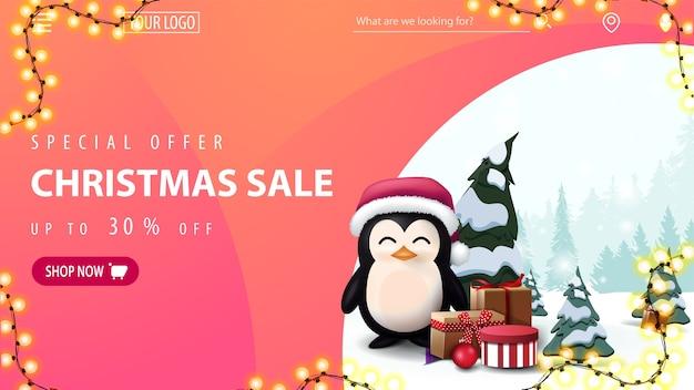 Oferta especial, liquidação de natal, até 30% de desconto, banner rosa da web com pinguim no chapéu de papai noel com presentes e moldura de guirlanda