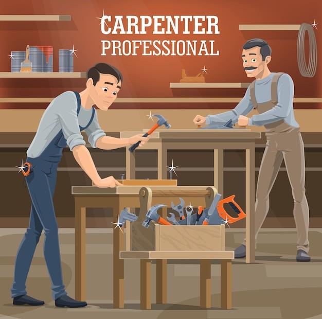 Oficina profissional de carpinteiro. marceneiros de macacão moldando a prancha com aviãozinho, carpinteiro trabalhando na oficina e pregos de martelo. faz-tudo de carpintaria, caixa de ferramentas com serra, cinzel e chaves
