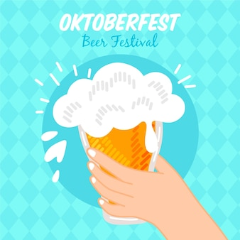 Oktoberfest com a mão segurando cerveja