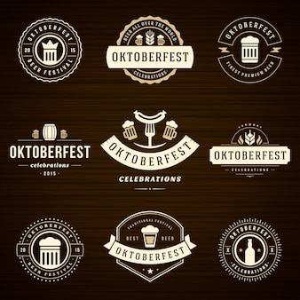 Oktoberfest emblemas e rótulos conjunto vintage tipográfico
