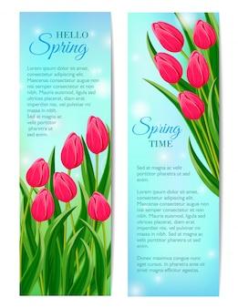 Olá banners de primavera com tulipa florescendo