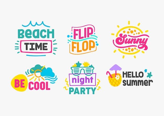 Olá, etiquetas de férias de verão e emblemas com conjunto de tipografia. modelos de design de cartões, pôsteres e camisetas. hora da praia, flip-flop, ensolarado, ser legal, festa noturna, ilustração vetorial de desenho animado