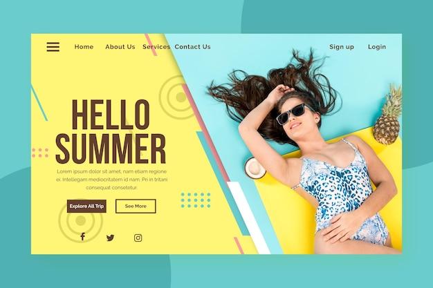 Olá, página inicial de verão com mulher na água