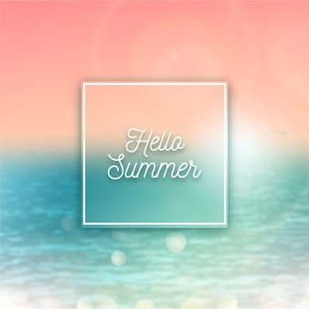 Olá turva verão com pôr do sol e água