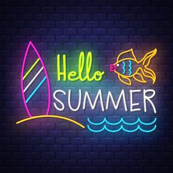 Olá verão. letras de sinal de néon