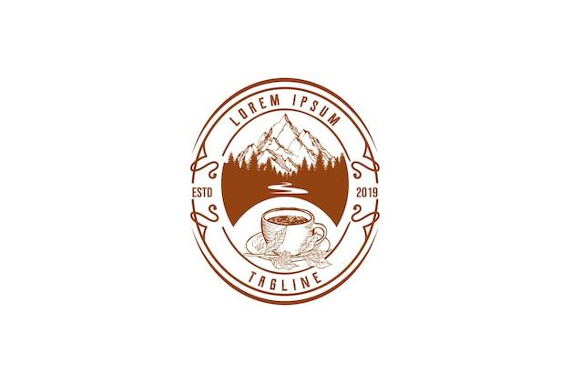 Old hipster mountain pine forest com river creek e coffee cup distintivo emblema rótulo logo design vector