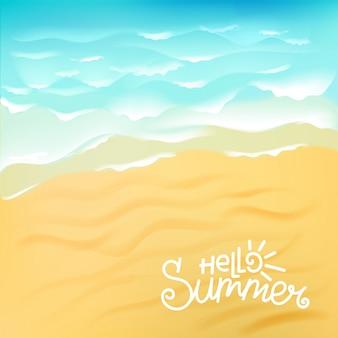 Onda do mar azul na praia de areia com olá verão caligráfico