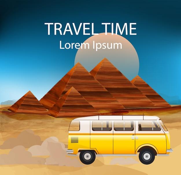 Ônibus de reboque de acampamento no deserto