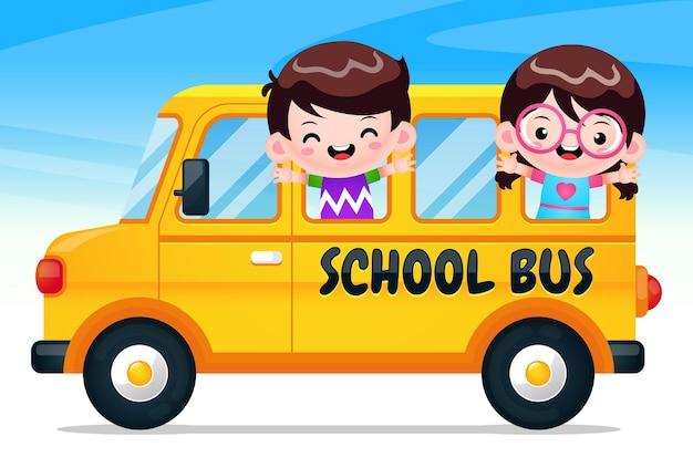 Ônibus escolar com crianças felizes