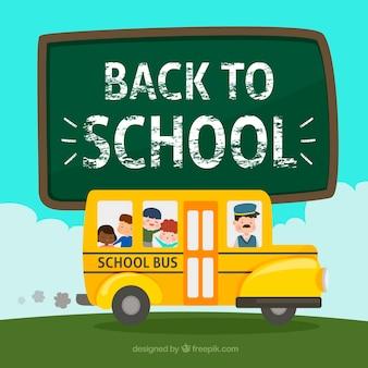 Ônibus escolar com motorista e estudantes