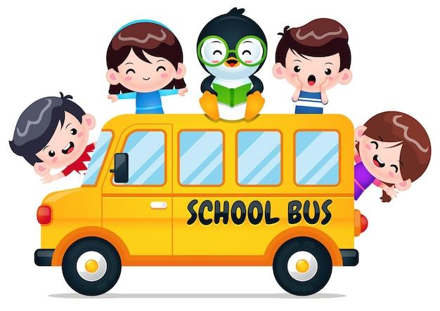 Ônibus escolar com pinguim inteligente e crianças