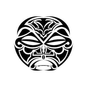 Ornamento de tatuagem com estilo maori de rosto de sol. máscara étnica africana, asteca ou maia.