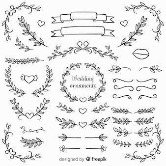 Ornamentos de casamento floral mão desenhada