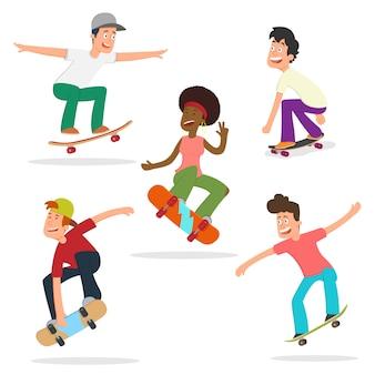 Os adolescentes montam e fazem truques em um skate.