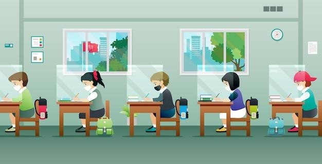 Os alunos estão estudando em sala de aula para prevenir germes.