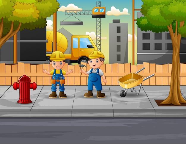 Os construtores sob o canteiro de obras