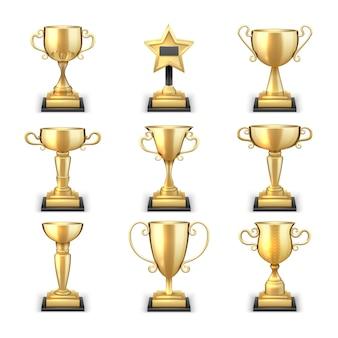 Os copos e os esportes dourados de vencimento do troféu concedem a coleção do vetor isolada no fundo branco. realização dourada do copo, vitória e ilustração do esporte do prêmio