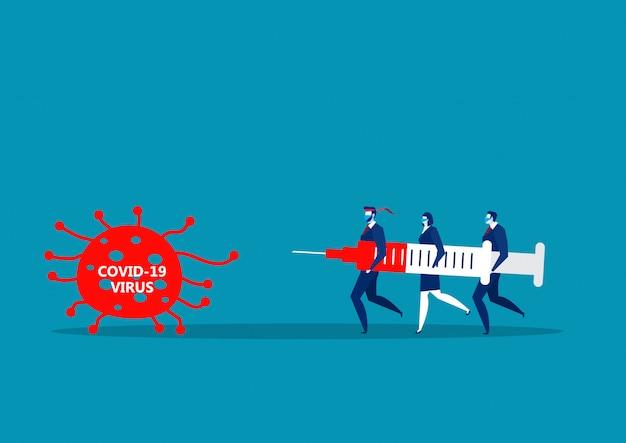 Os homens da equipe de negócios realizam grandes injeções para combater os 19 coronavírus cobiçados.