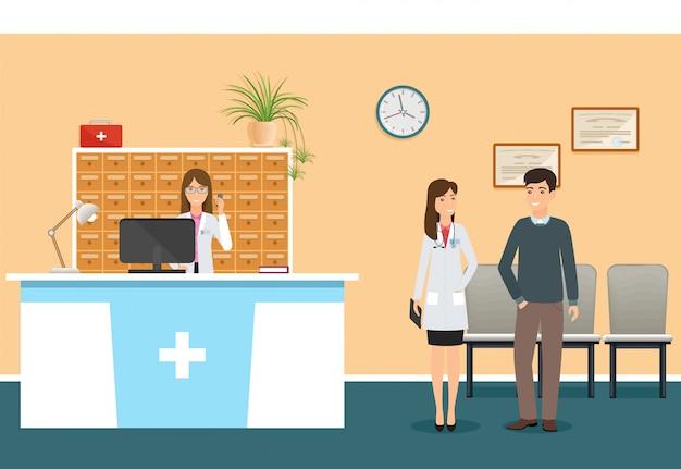 Os jovens nutrem na mesa de recepção do hospital na clínica e o doutor da mulher no uniforme que está com paciente.
