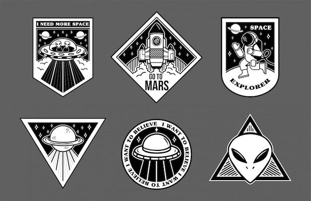Os patches em preto e branco no espaço tópico exploram a espaçonave alienígena alienígena estraga o astronauta.