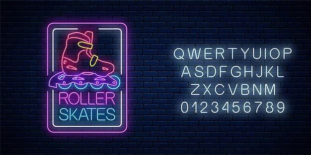 Os patins de néon brilhante assinam em quadros retangulares com alfabeto na parede de tijolo escuro.