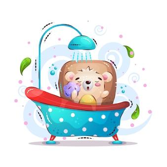 Ouriço fofo banha no banheiro