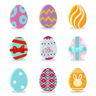 Ovos de páscoa com conjunto de padrões coloridos. ícones dos desenhos animados para as férias de primavera, isolados no fundo branco.